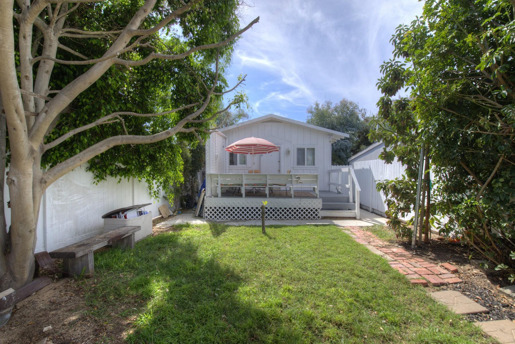 Maison unifamiliale pour l Vente à 5043 Saratoga Avenue San Diego, Californie, 92107 États-Unis