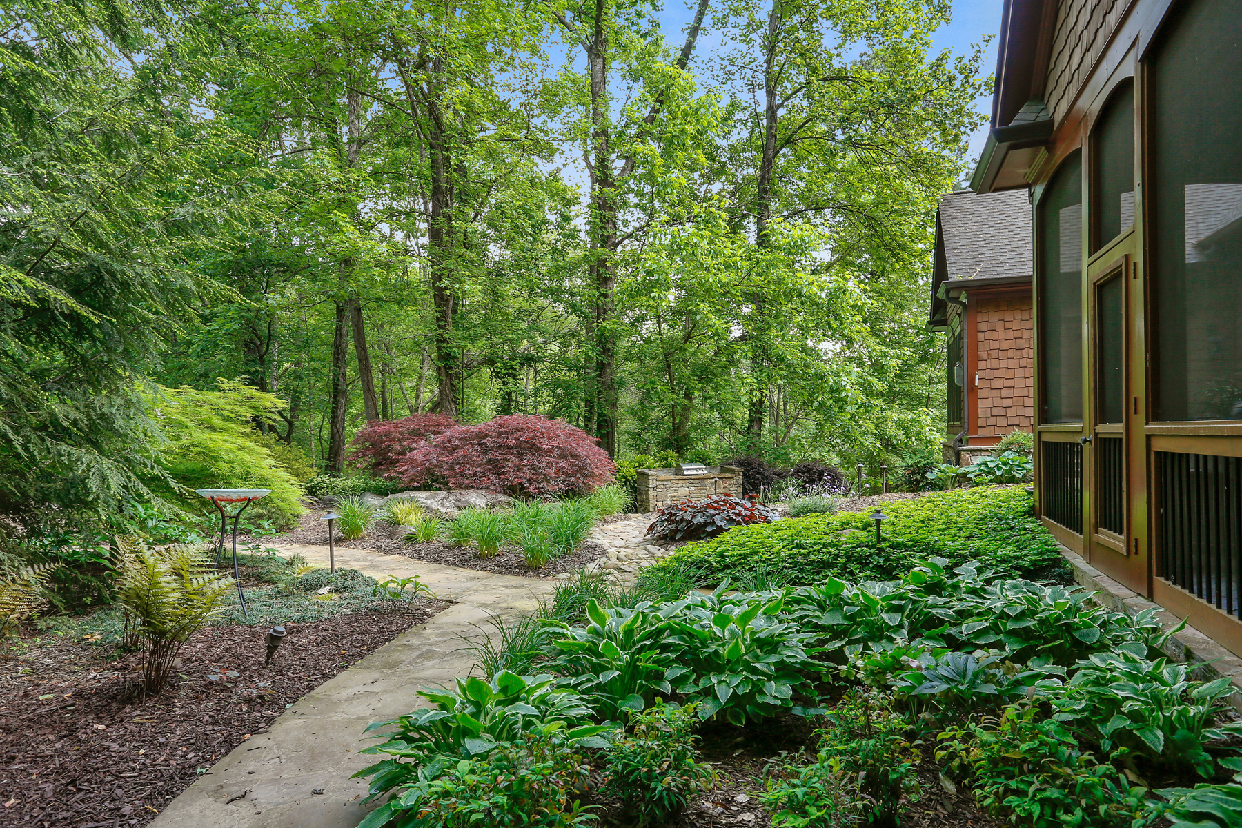 Additional photo for property listing at Showcase Estate Home On Private Acreage 51 Mountain Ridge Drive SE Cartersville, Georgien 30120 Usa