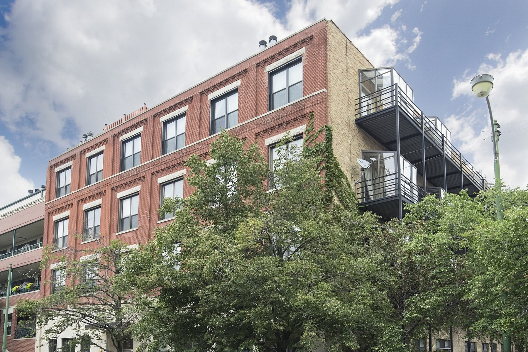 Property For Sale at Incredibly Chic Loft