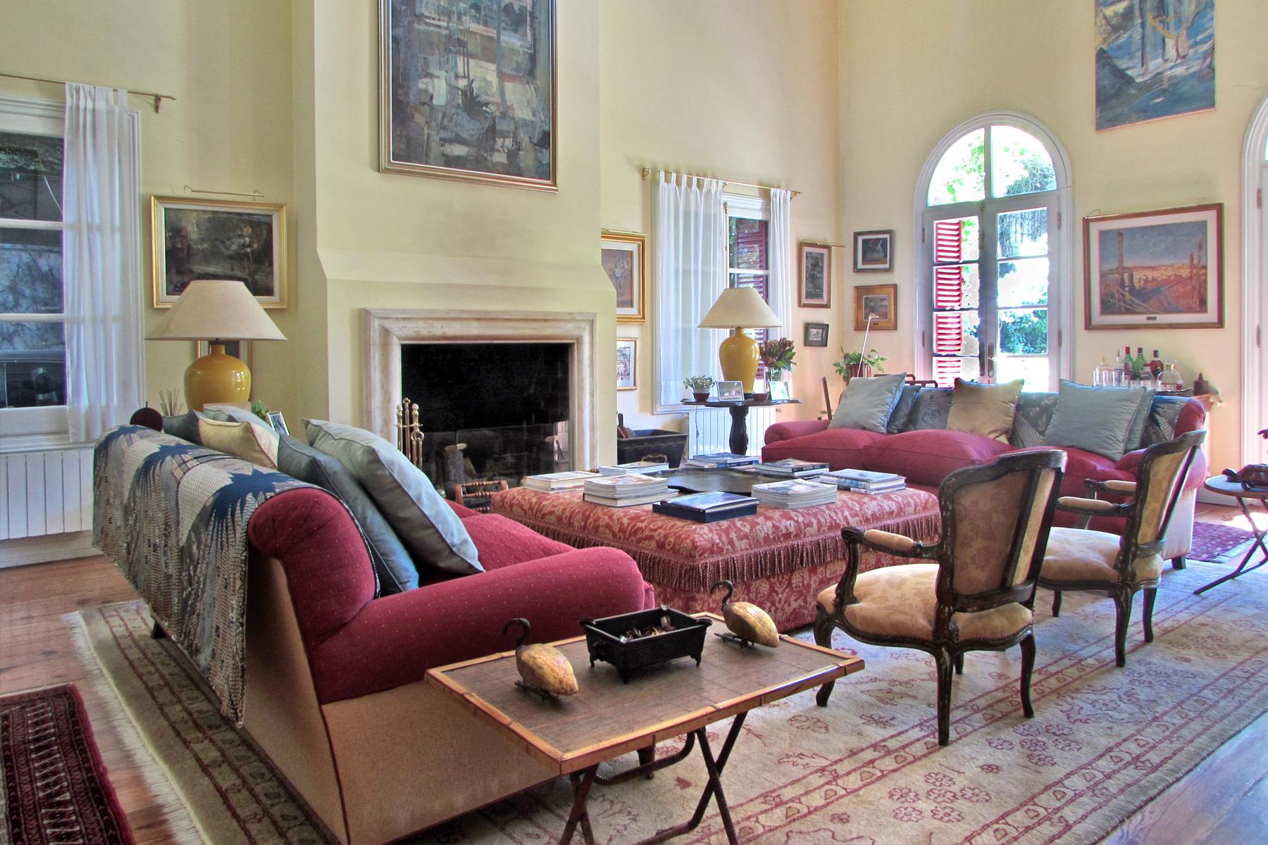 Property Of Amazing House in Belgano - Dragones 1900