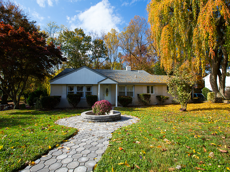 Single Family Home for Sale at Rydal, PA 748 Suffolk Rd Rydal, Pennsylvania, 19046 United States