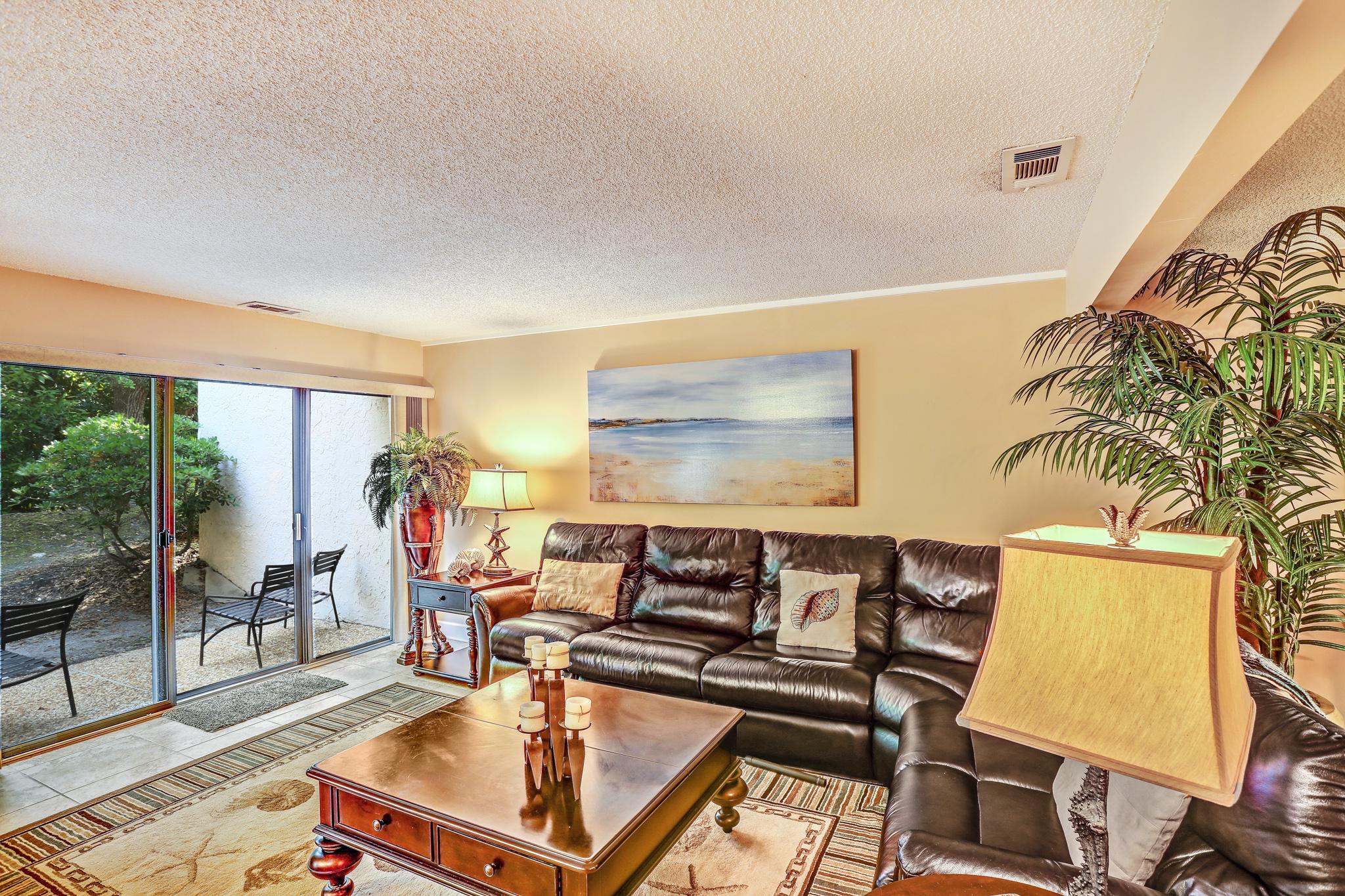 Condomínio para Venda às Unit 2098 Beach Wood Villas 2048 Beach Wood Road Amelia Island, Florida, 32034 Estados Unidos