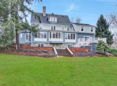 Maison unifamiliale pour l Vente à Exceptional Home 36 Forest Drive North Short Hills, New Jersey, 07078 États-Unis