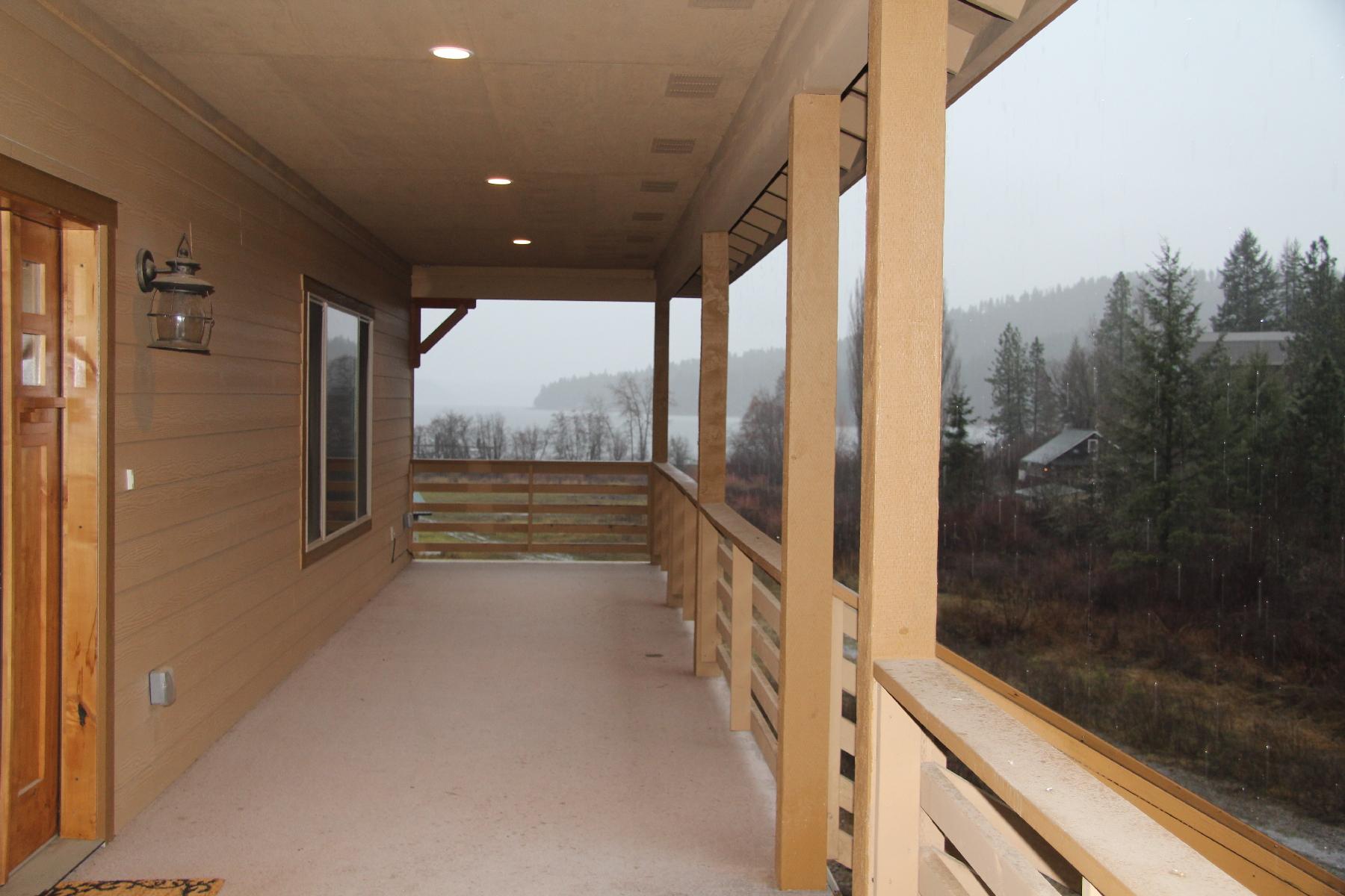 Casa para uma família para Venda às Spawning Creek 14793 S. Spawning Creek Harrison, Idaho, 83833 Estados Unidos