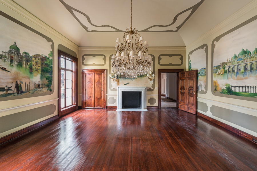 Additional photo for property listing at Classic Elegance In Atlanta's Finest Neighborhood 541 W Paces Ferry Road NW Atlanta, Georgien 30305 Usa