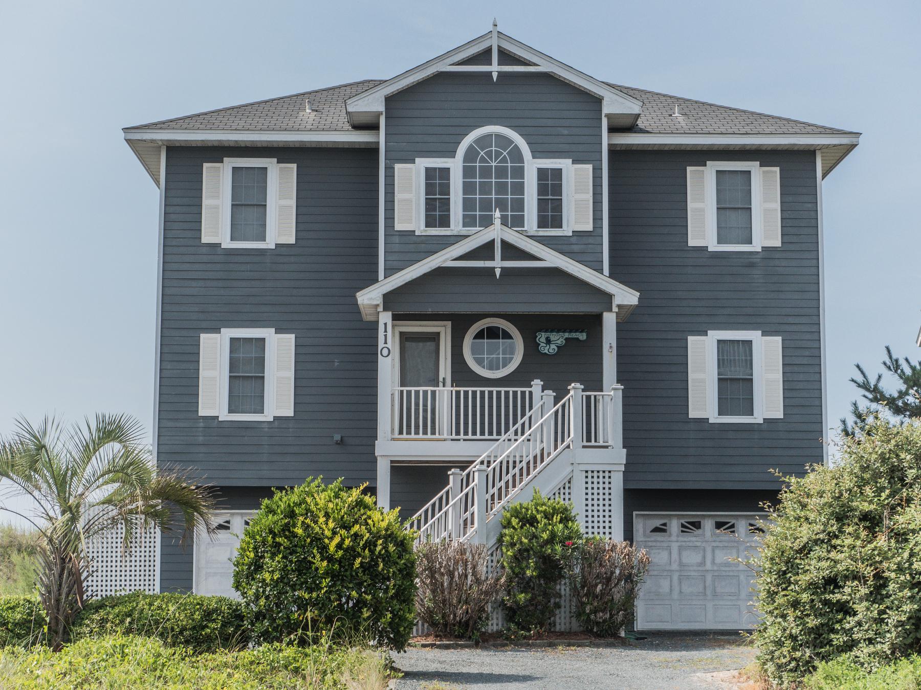 Einfamilienhaus für Verkauf beim Inspiring Ocean Views 110 North Permuda Wynd Sneads Ferry, North Carolina, 28460 Vereinigte Staaten