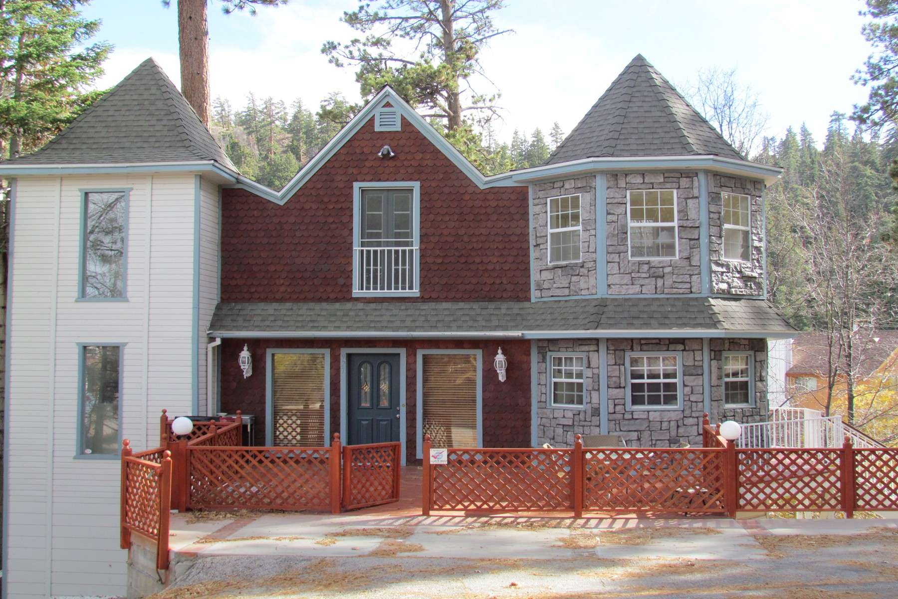 Single Family Home for Sale at 927 Cameron Big Bear Lake, California, 92315 United States
