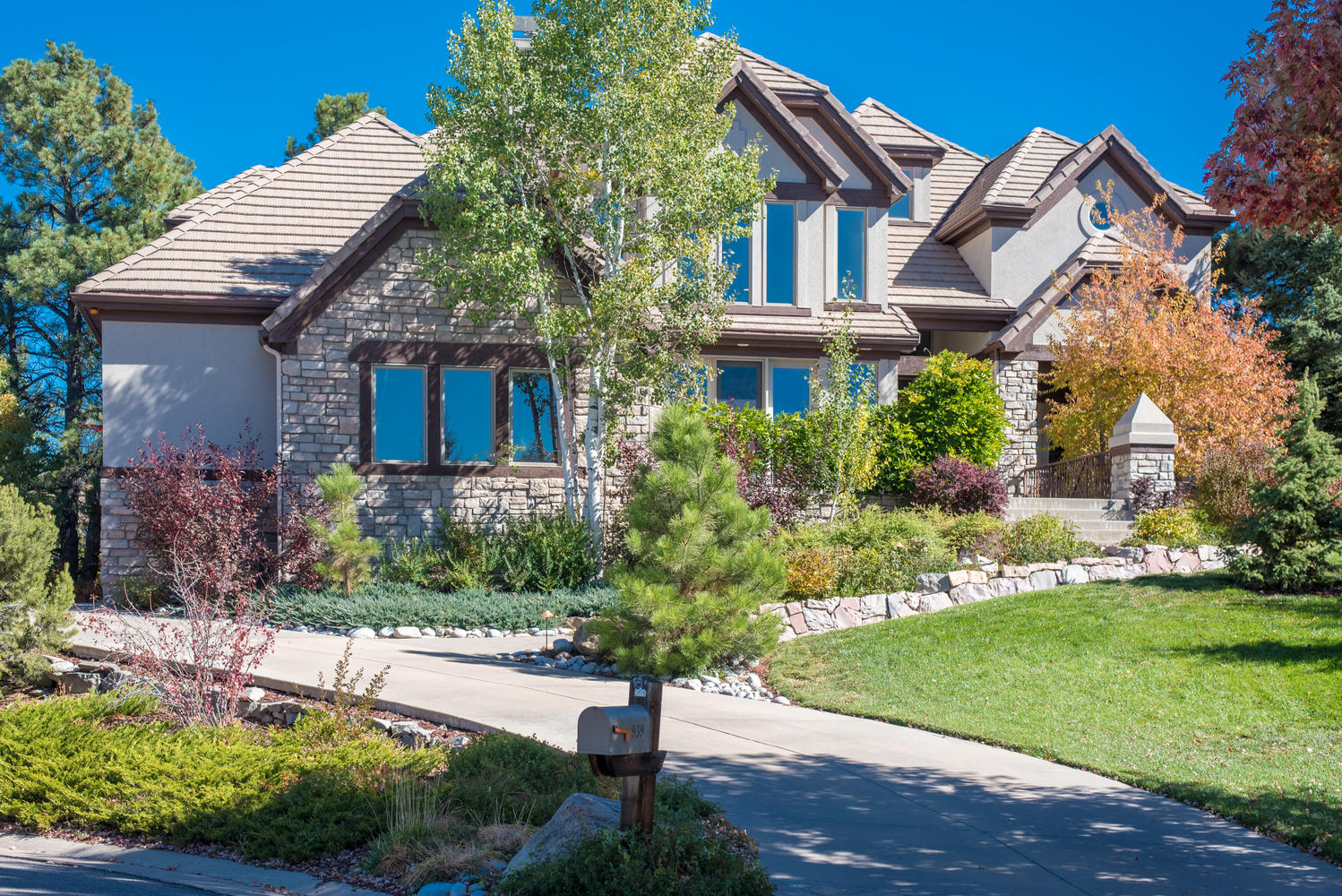 Single Family Home for Sale at Castle Pines Village 939 Aztec Dr Castle Rock, Colorado, 80108 United States
