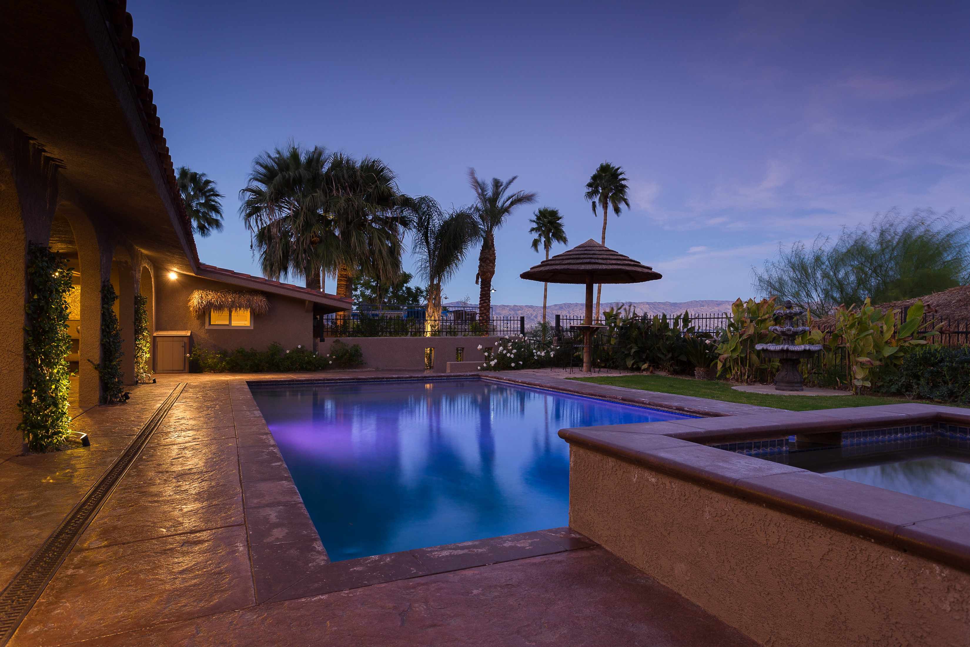 단독 가정 주택 용 매매 에 2333 North Vista Drive Palm Springs, 캘리포니아, 92262 미국