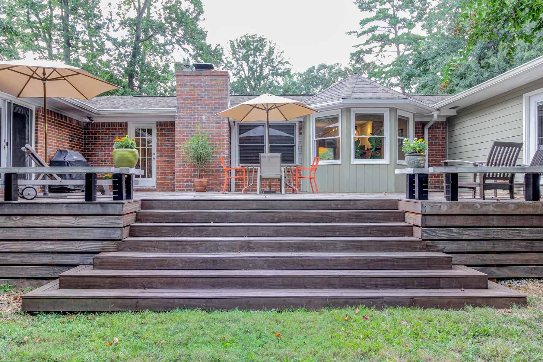 Property For Sale at Mid-Century Ranch with Modern Esthetics