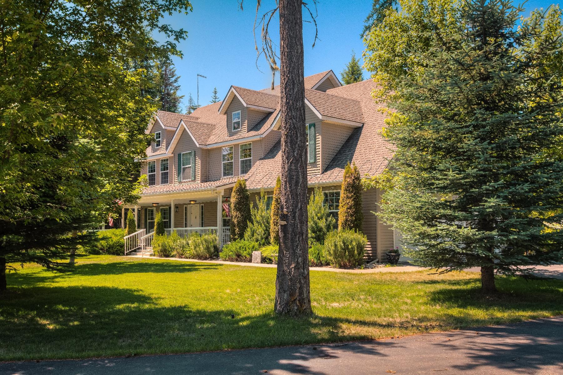 단독 가정 주택 용 매매 에 Gated Entrance and Extremely Private 10075 E. Duce Athol, 아이다호 83801 미국