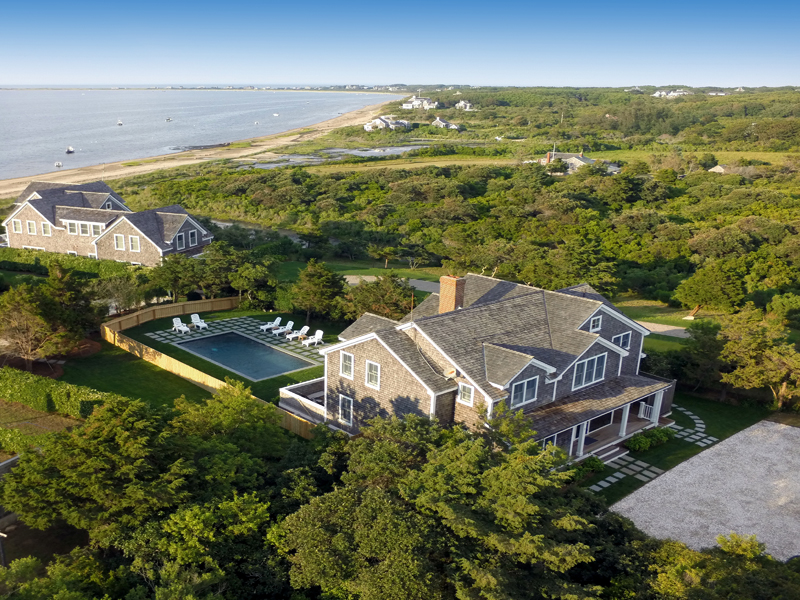 Vivienda unifamiliar por un Venta en Extraordinary Harbor Views! 7 Village Way Nantucket, Massachusetts 02554 Estados Unidos