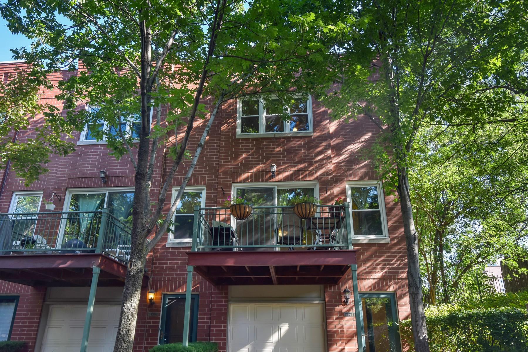 タウンハウス のために 売買 アット End-Unit Townhome! 2939 N Honore Street Unit F North Center, Chicago, イリノイ, 60657 アメリカ合衆国