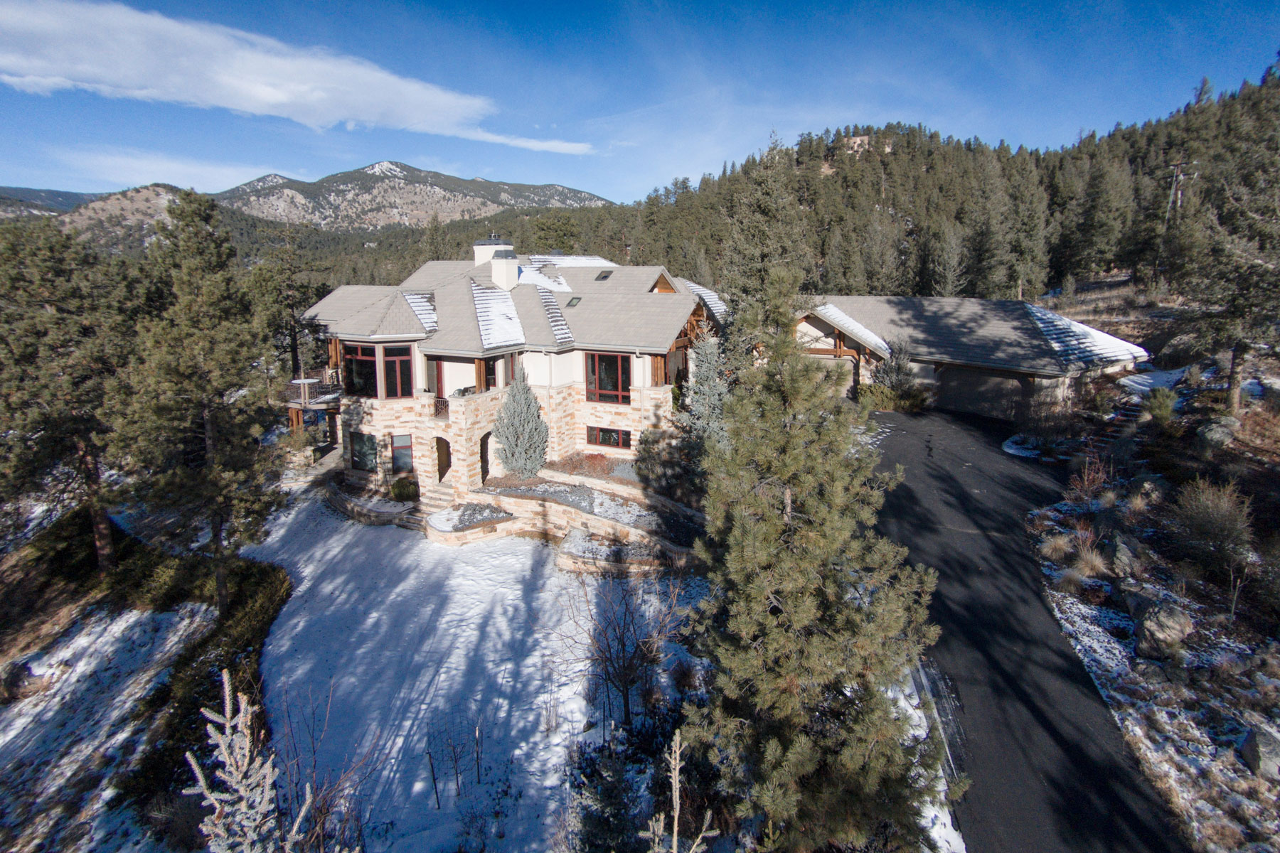 Maison unifamiliale pour l Vente à The Wildflower Wonder 4128 Wildflower Court Evergreen, Colorado 80439 États-Unis