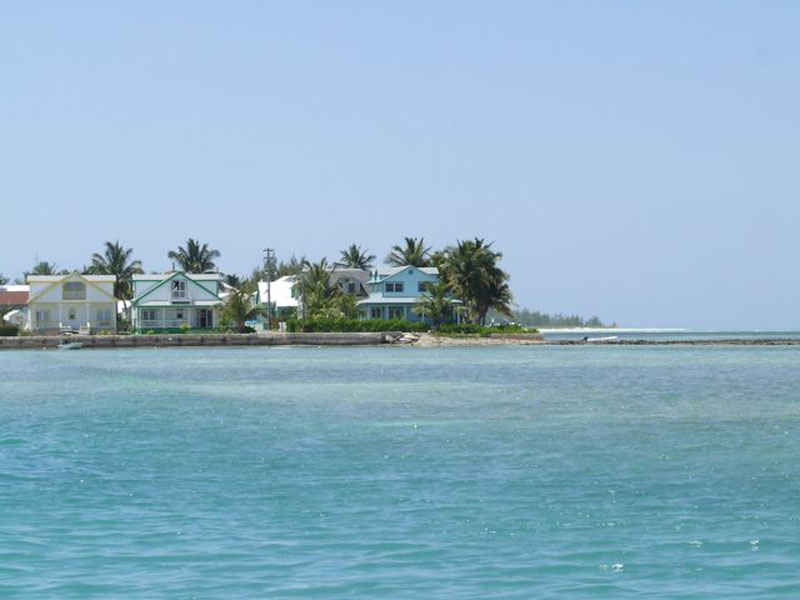 Additional photo for property listing at Water's Edge - Harbour Views & Private Dock Spanish Wells, Eleuthera Bahamas