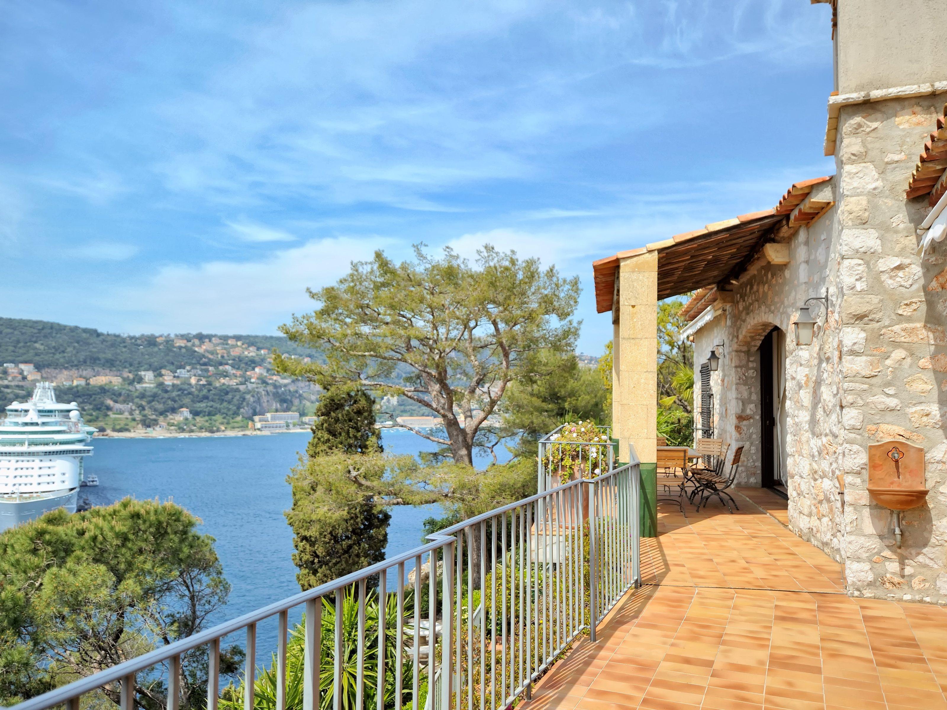 Villa per Affitto alle ore Villa with stunning views in St Jean Cap Ferrat Saint Jean Cap Ferrat Saint Jean Cap Ferrat, Provenza-Alpi-Costa Azzurra 06230 Francia