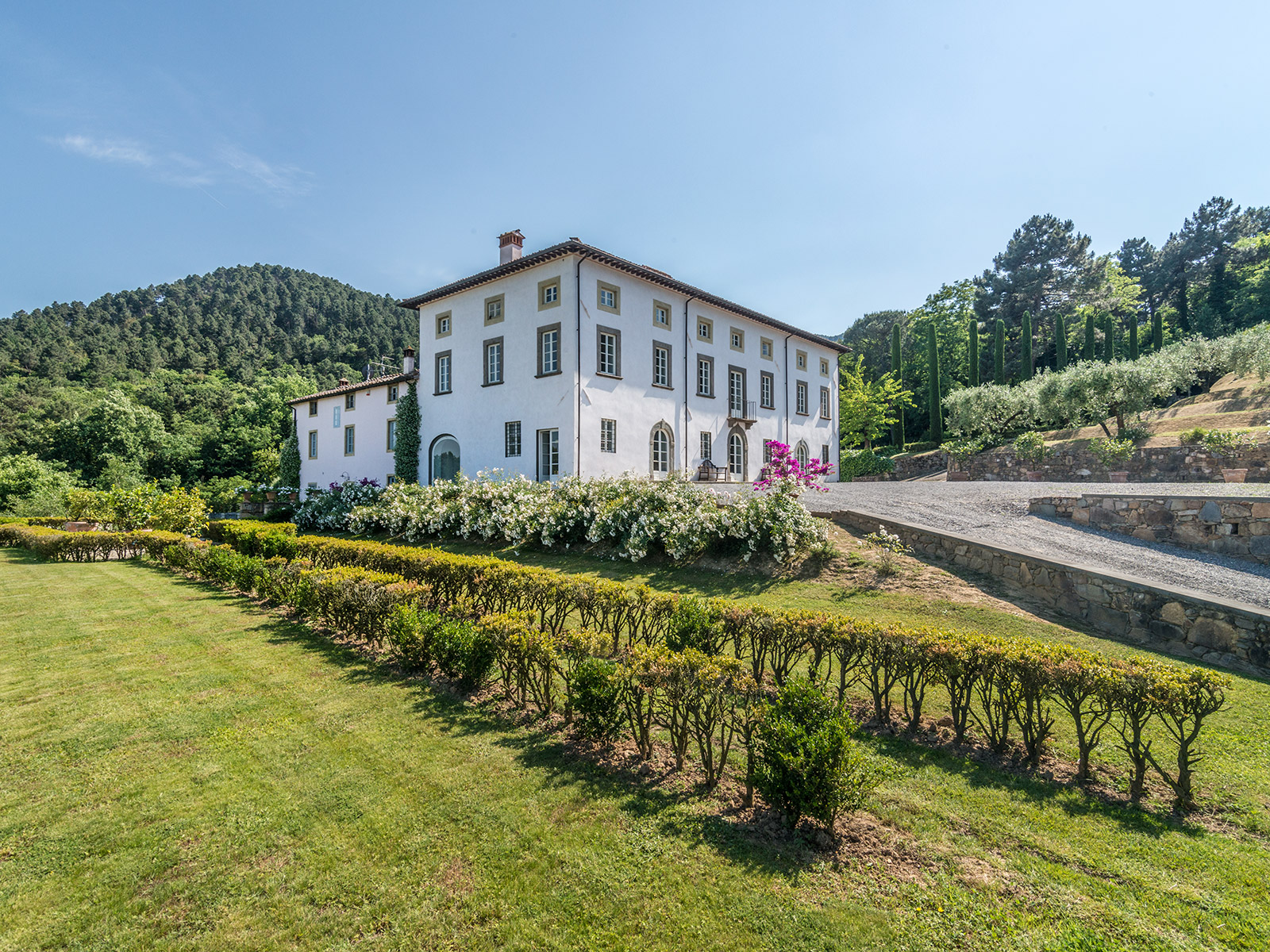 Single Family Home for Sale at Majestic property in Lucchesia Lucca, Lucca Italy