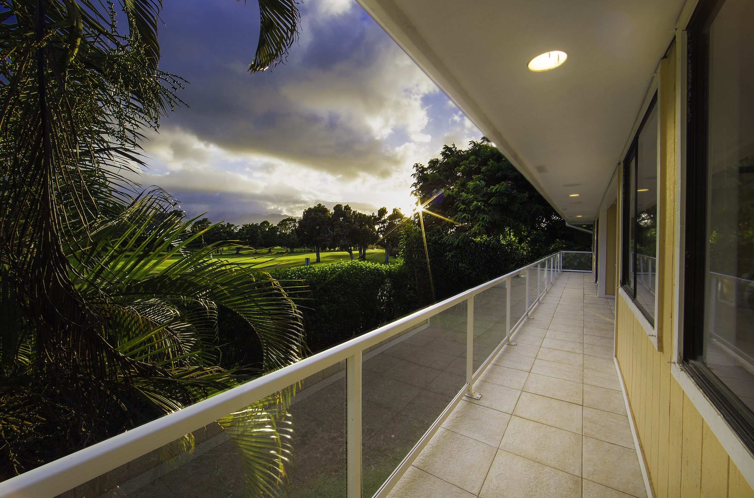 Moradia para Venda às Custom Home with Golf Course Views 5135 Iolani Pl Princeville, Havaí, 96722 Estados Unidos