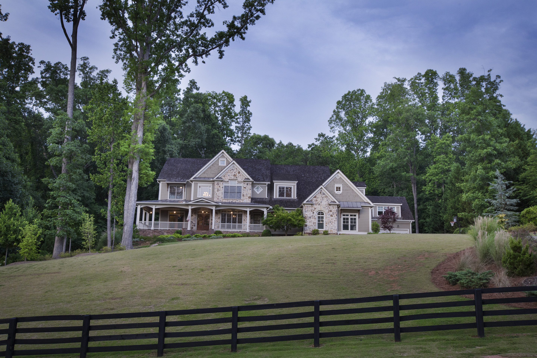 Maison unifamiliale pour l Vente à Enjoy Backyard Paradise! 13205 Owens Way Alpharetta, Georgia, 30004 États-Unis