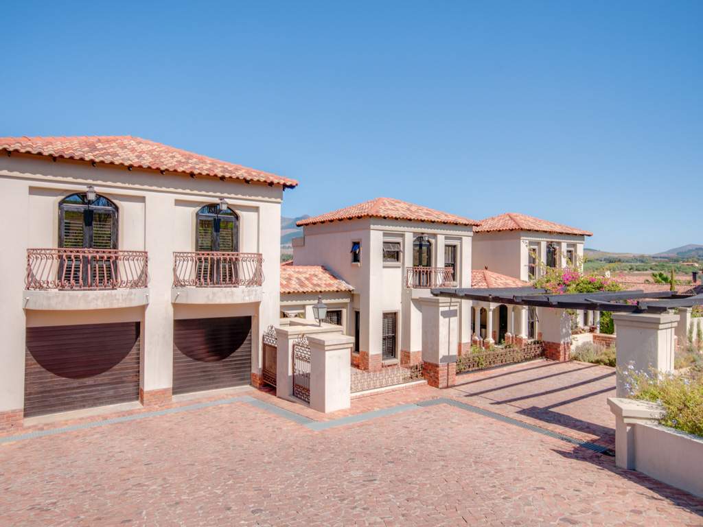Vivienda unifamiliar por un Venta en Winelands Estate Paarl, Provincia Occidental Del Cabo, 7646 Sudáfrica