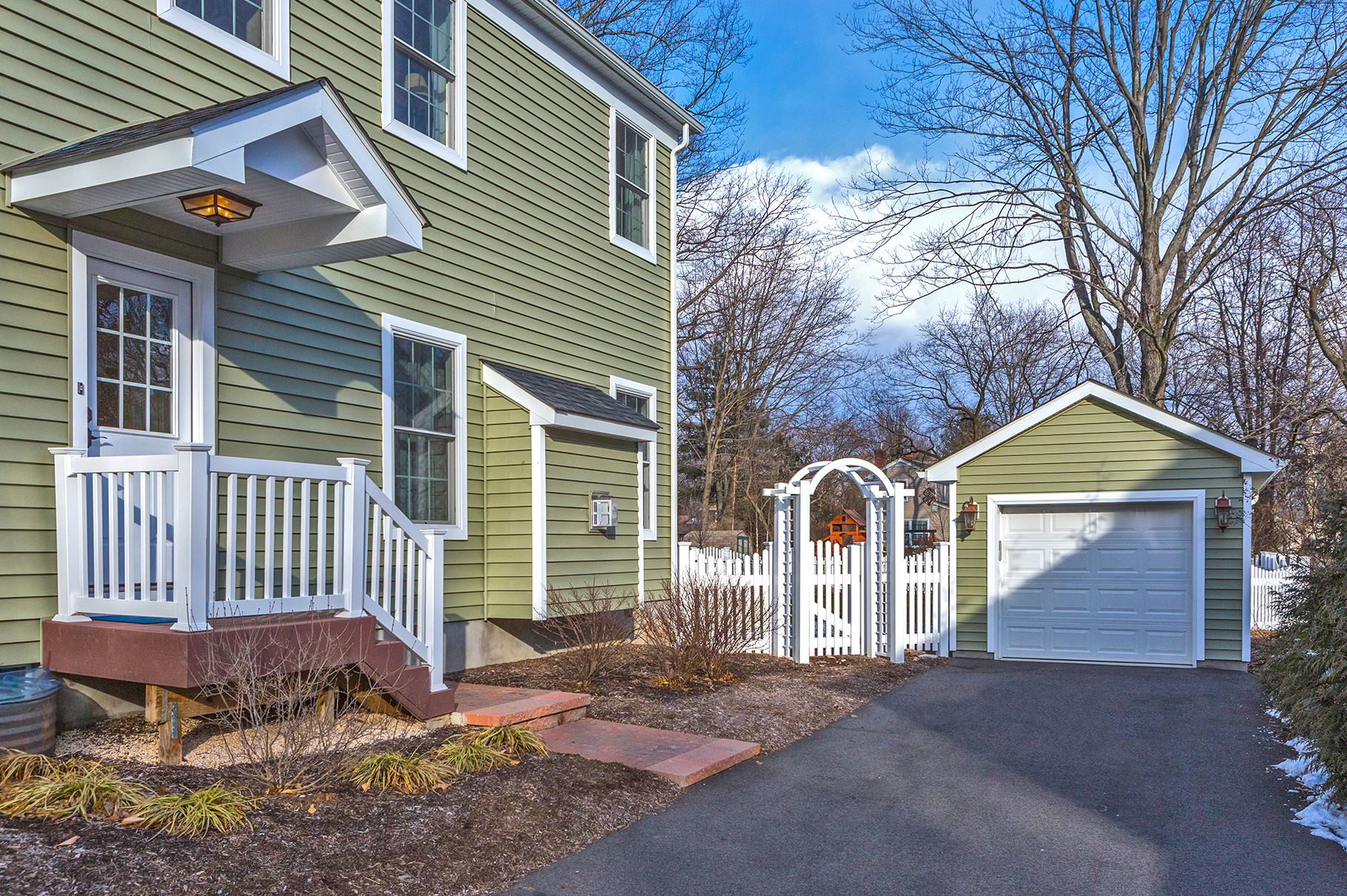 Additional photo for property listing at The Very Best Of Pennington 309 Hale Street Pennington, Нью-Джерси 08534 Соединенные Штаты