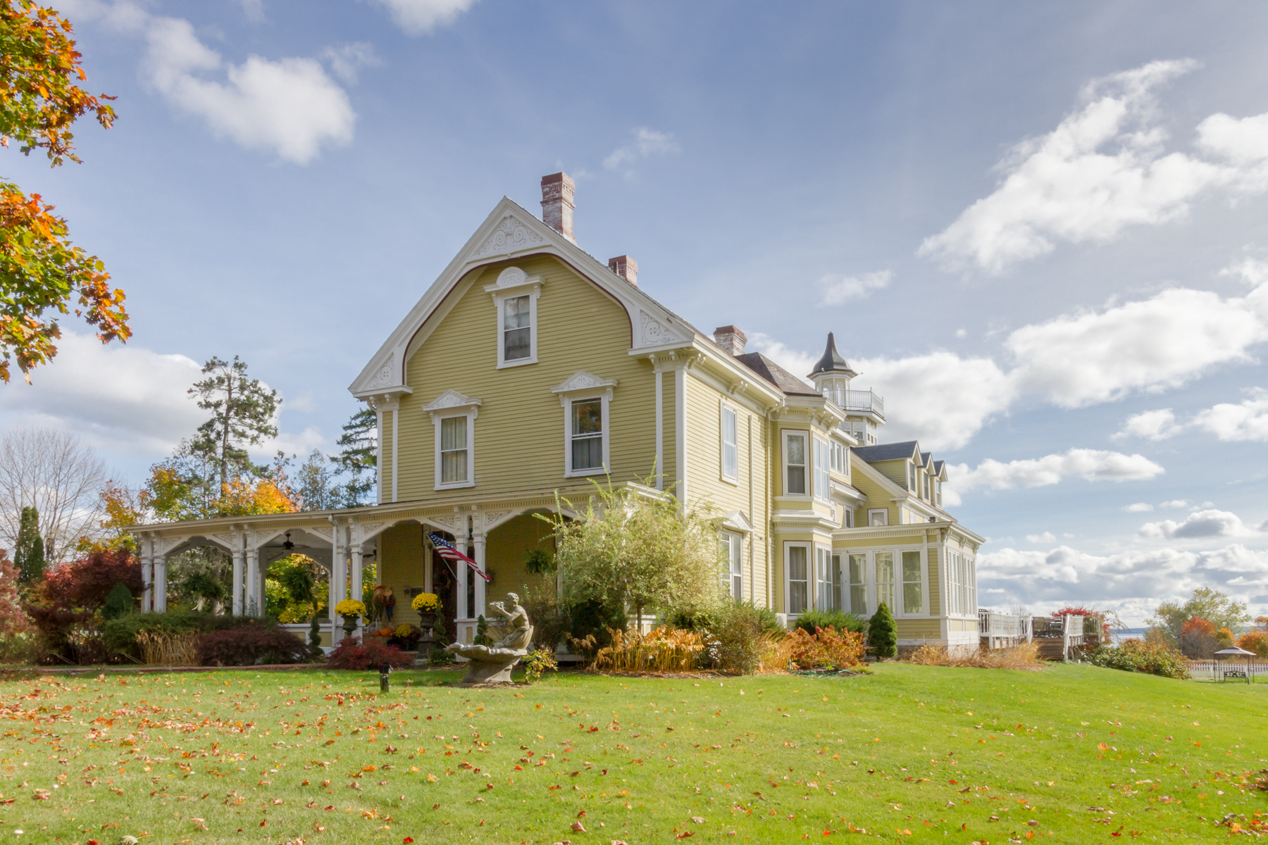 Commercial for Sale at Captain A.V. Nichols Inn 127 Main Steet Searsport, Maine 04974 United States