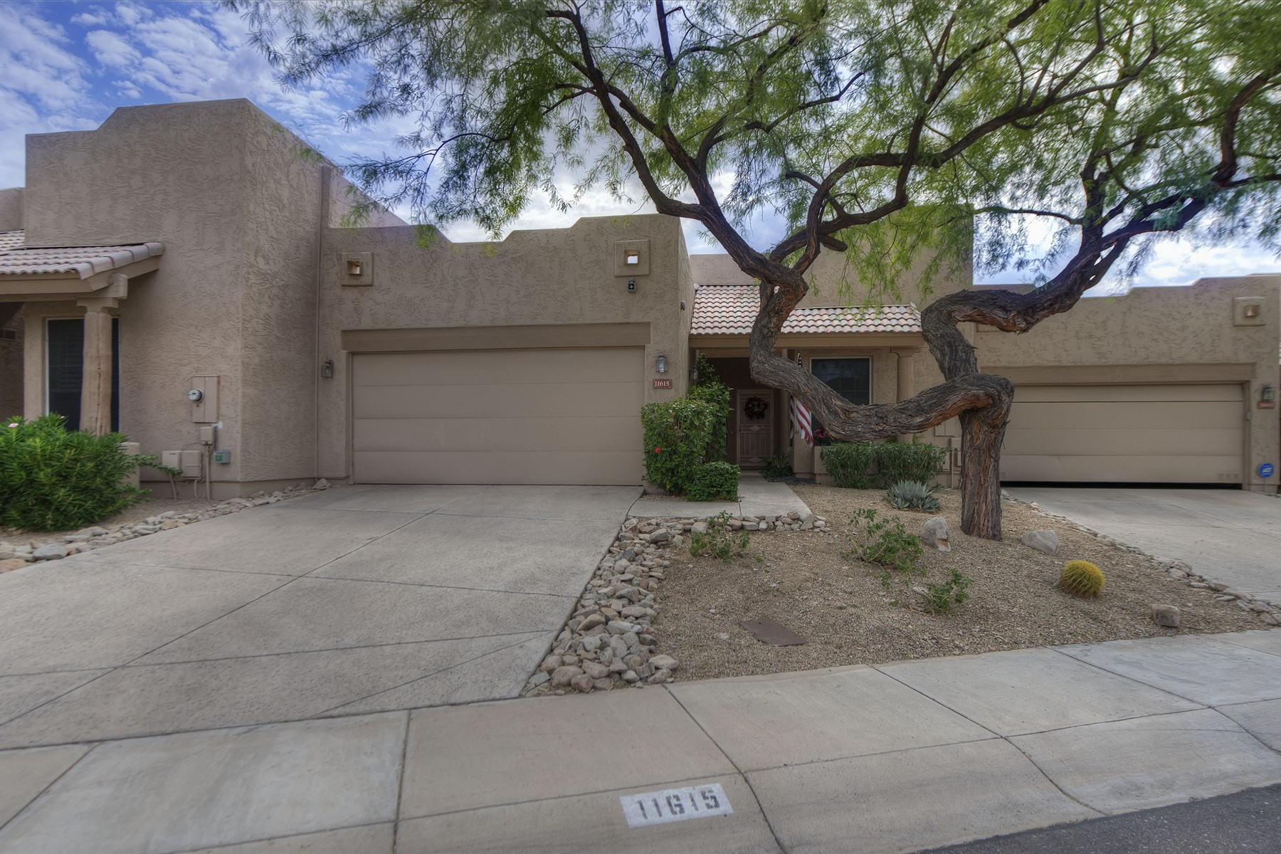 Townhouse for Sale at Wonderful patio home with three bedroom and two bath. 11615 N 114TH PL Scottsdale, Arizona 85259 United States