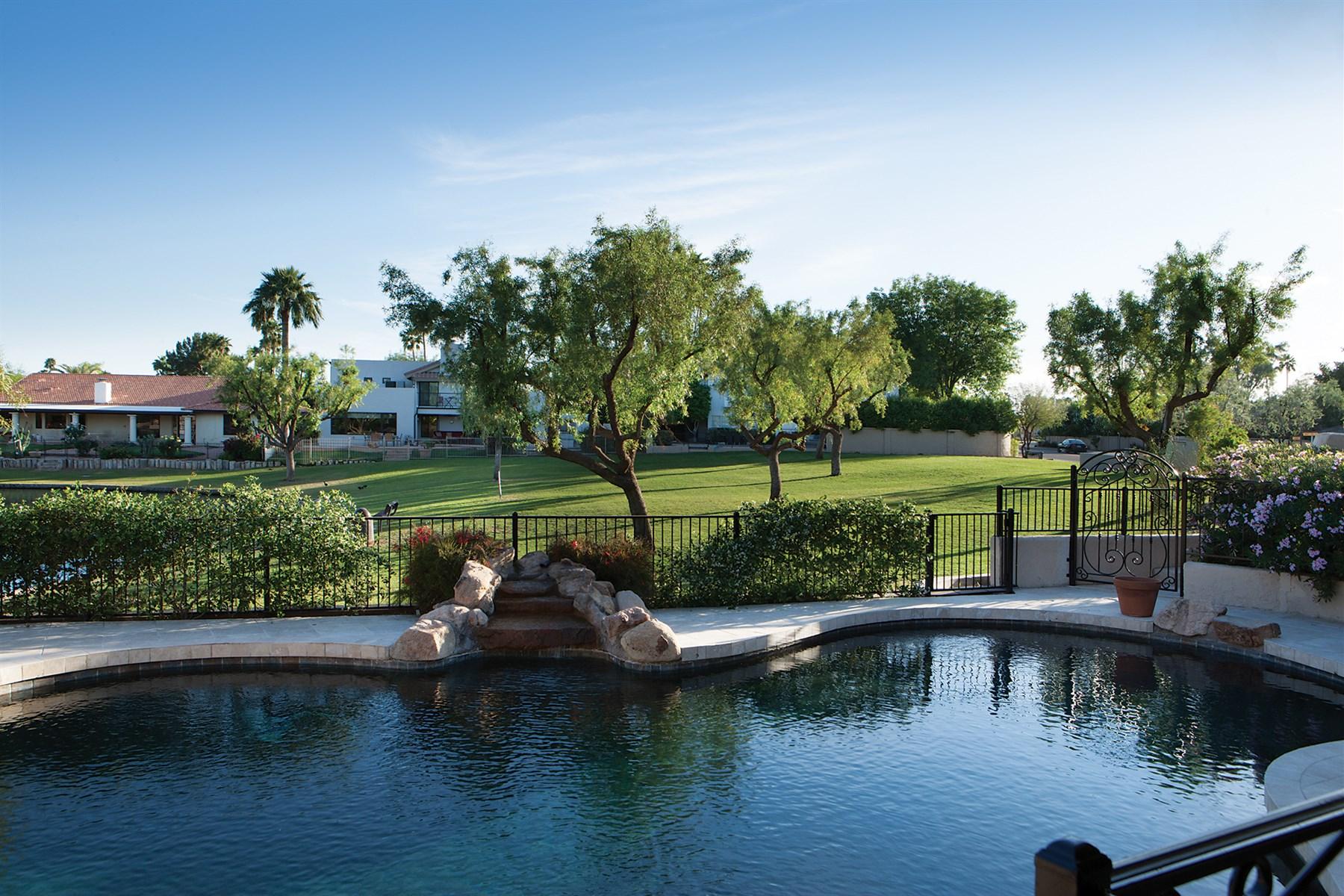 獨棟家庭住宅 為 出售 在 Lakefront living at The Islands at McCormick Ranch 8167 E Del Camino Dr Scottsdale, 亞利桑那州, 85258 美國