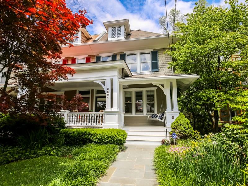 独户住宅 为 销售 在 Cleveland Park 3021 Newark Street NW Washington, 哥伦比亚特区 20008 美国