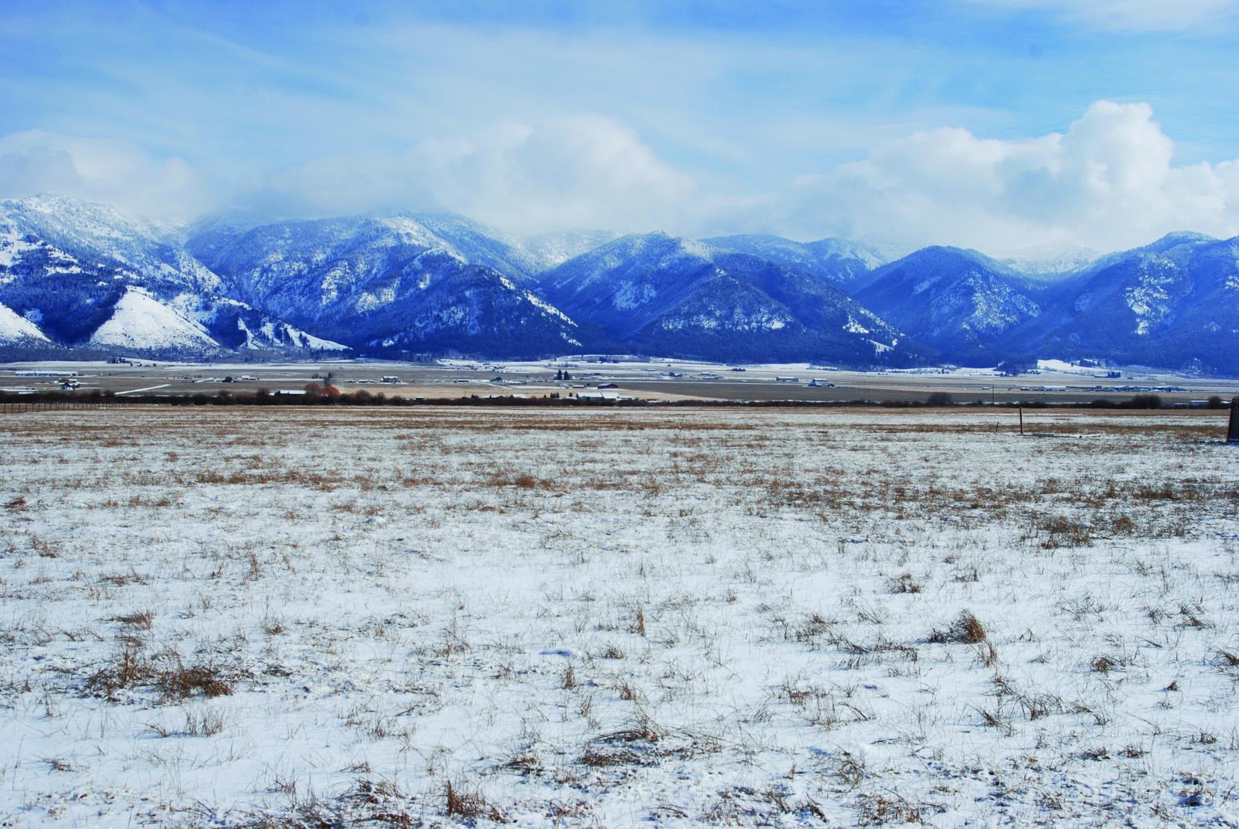 Terrain pour l Vente à Acreage in Star Valley, Wyoming Lot 3 Miller Estates Etna, Wyoming 83115 États-Unis