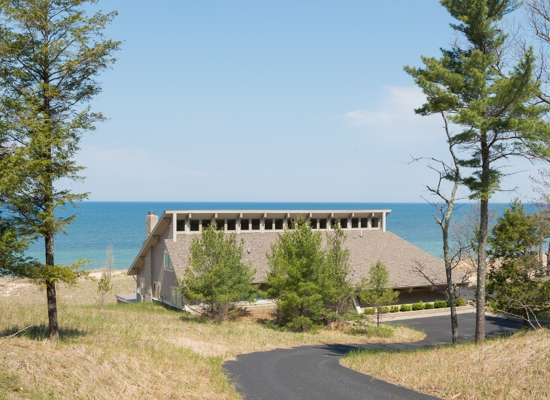 Casa Unifamiliar por un Venta en Lake Michigan 645' of Waterfrontage 9411 N Cooper Creek Road Free Soil, Michigan 49411 Estados Unidos