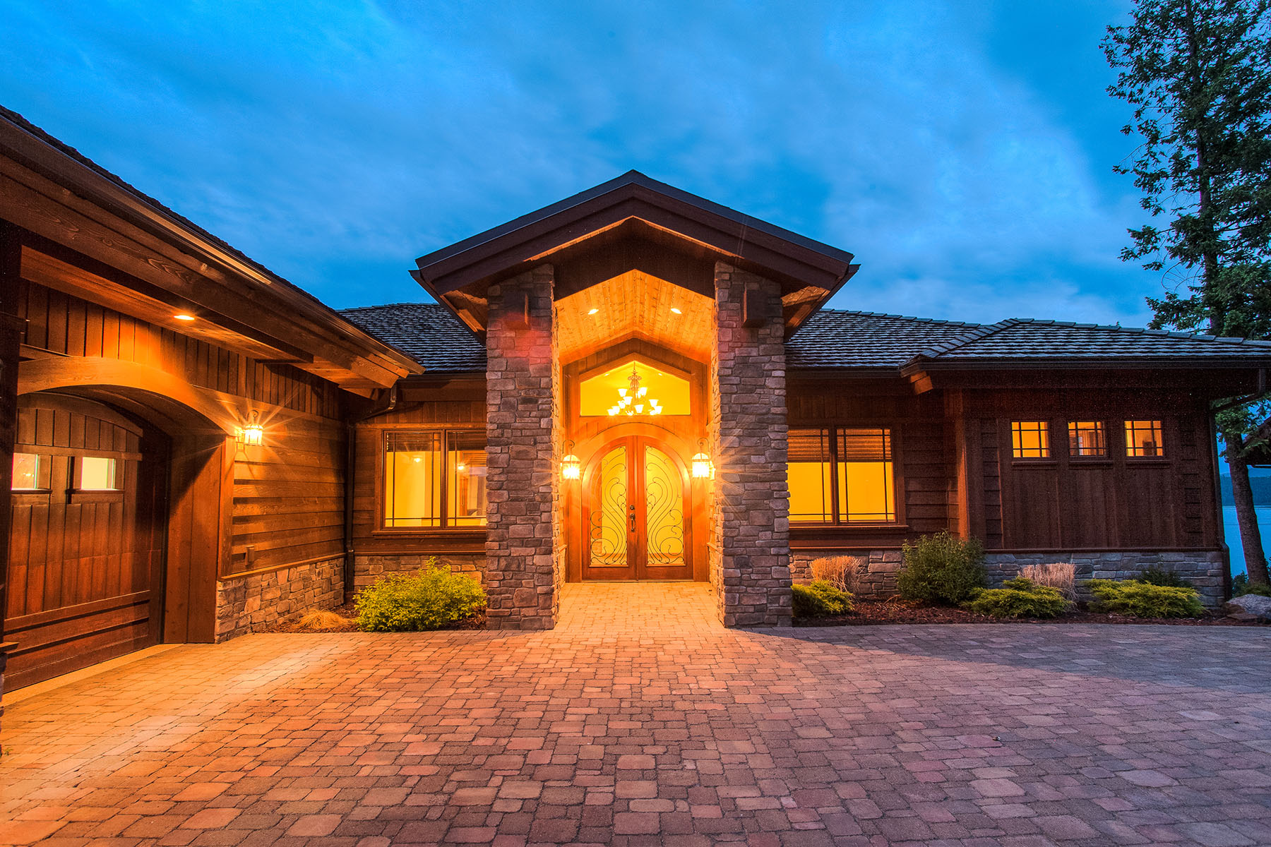 Single Family Home for Sale at Masterfully Crafted Black Rock Beauty 6008 W Onyx Circle Coeur D Alene, Idaho, 83814 United States