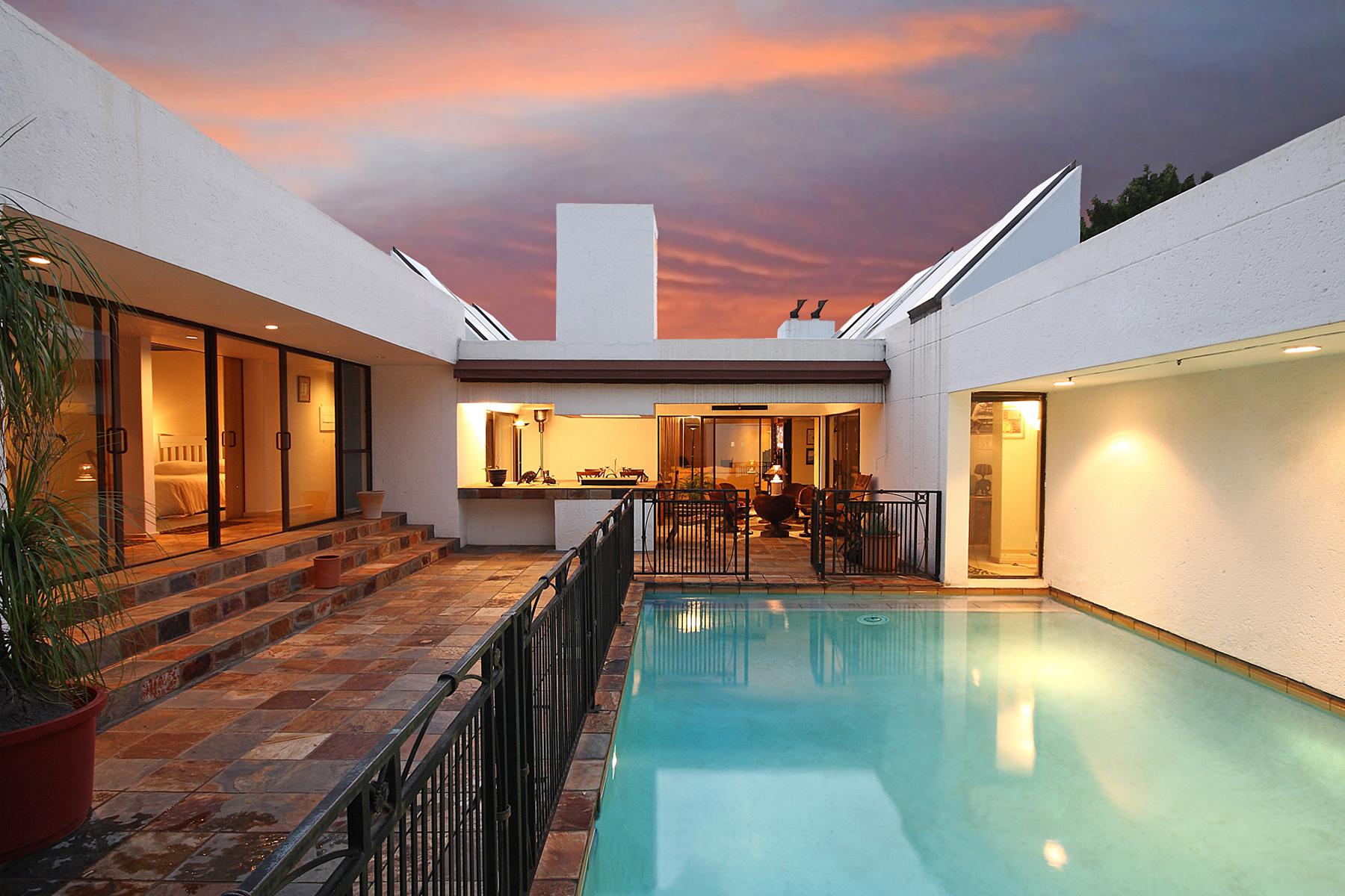 Casa Unifamiliar por un Venta en Khyber Rock Johannesburg, Provincia De Gauteng 2128 Sudáfrica
