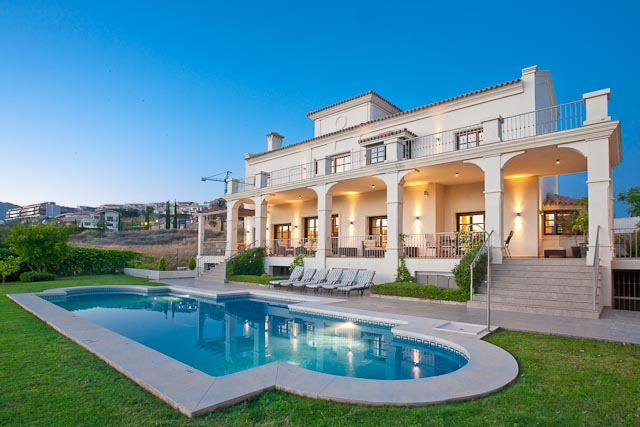 Casa Unifamiliar por un Venta en Beautiful villa on front line golf position Other Spain, Otras Áreas En España, 29680 España