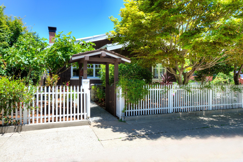 獨棟家庭住宅 為 出售 在 15 Karl Avenue San Anselmo, 加利福尼亞州, 94960 美國