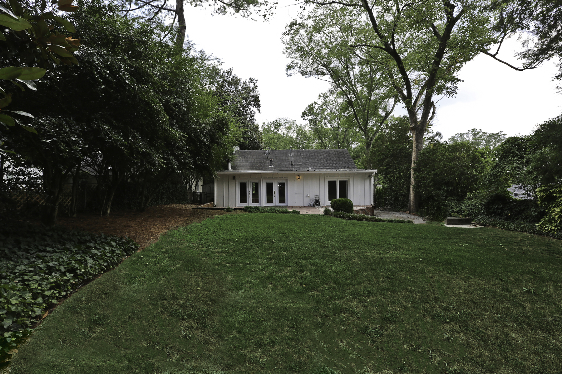 Additional photo for property listing at Immaculate And Well Maintained Home 2083 Golfview Drive NW Atlanta, ジョージア 30309 アメリカ合衆国
