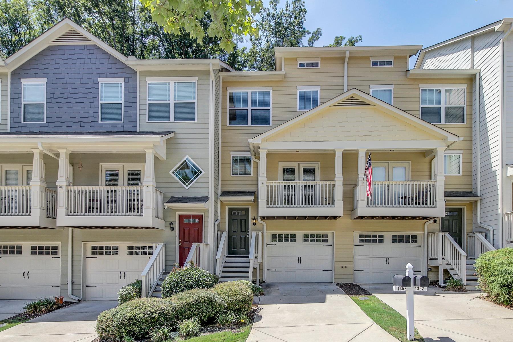 Casa Unifamiliar por un Venta en West Midtown Townhouse 1356 Liberty Parkway NW Atlanta, Georgia, 30318 Estados Unidos