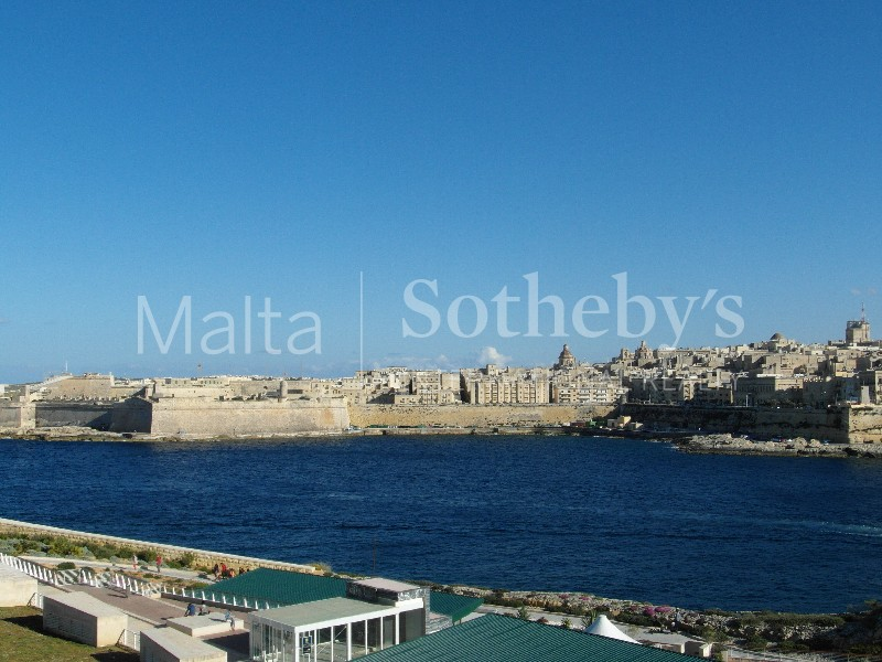 Property Of Luxurious Sea View Apartment