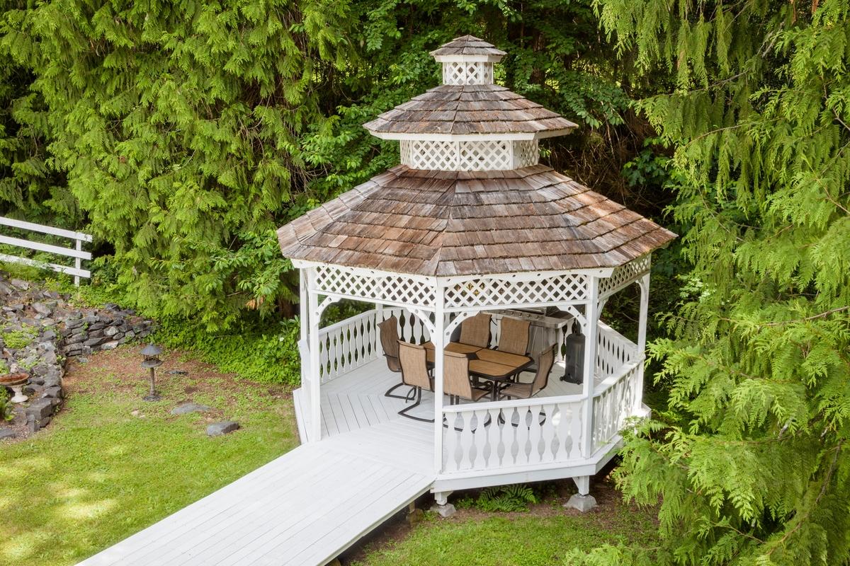 Additional photo for property listing at Ashford Mansion 30715 Mt. Tahoma Canyon Rd E Ashford, Washington 98304 United States