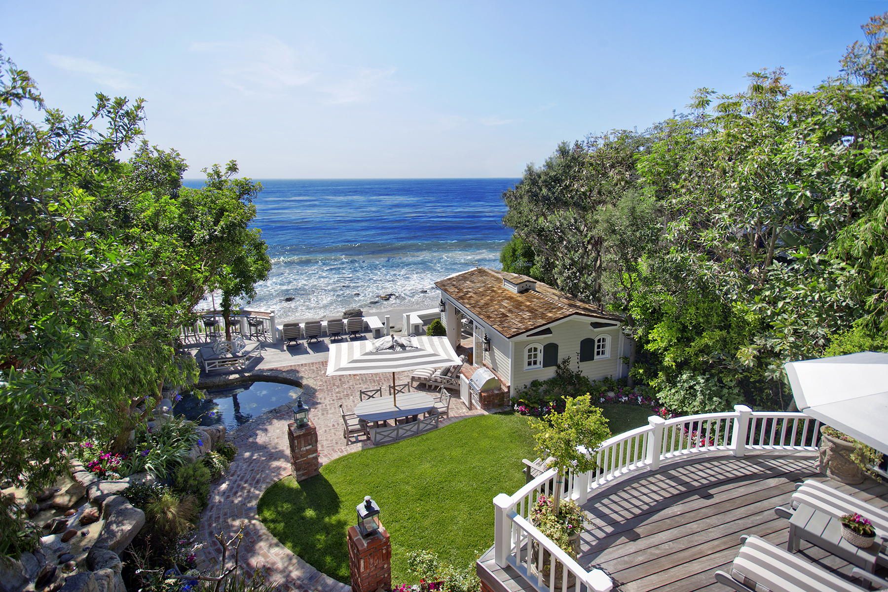 Maison unifamiliale pour l Vente à 671 Sleepy Hollow Lane Laguna Beach, Californie, 92651 États-Unis