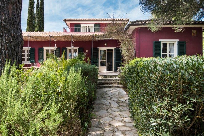 Einfamilienhaus für Verkauf beim Unique villa with private garden and swimming pool Capoliveri, Livorno Italien