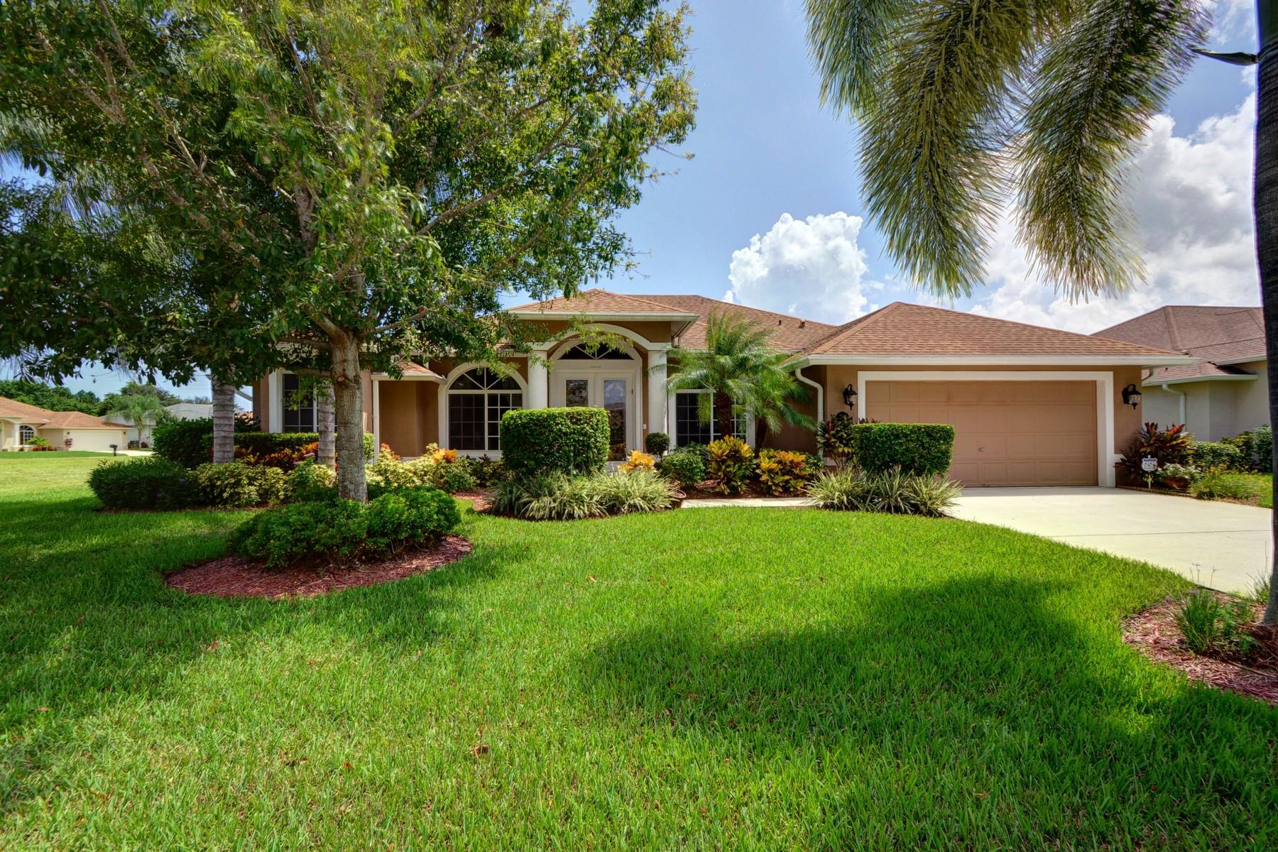 Maison unifamiliale pour l Vente à Gorgeous pool home in The Preserve 2195 3rd Place SW Vero Beach, Florida 32962 États-Unis