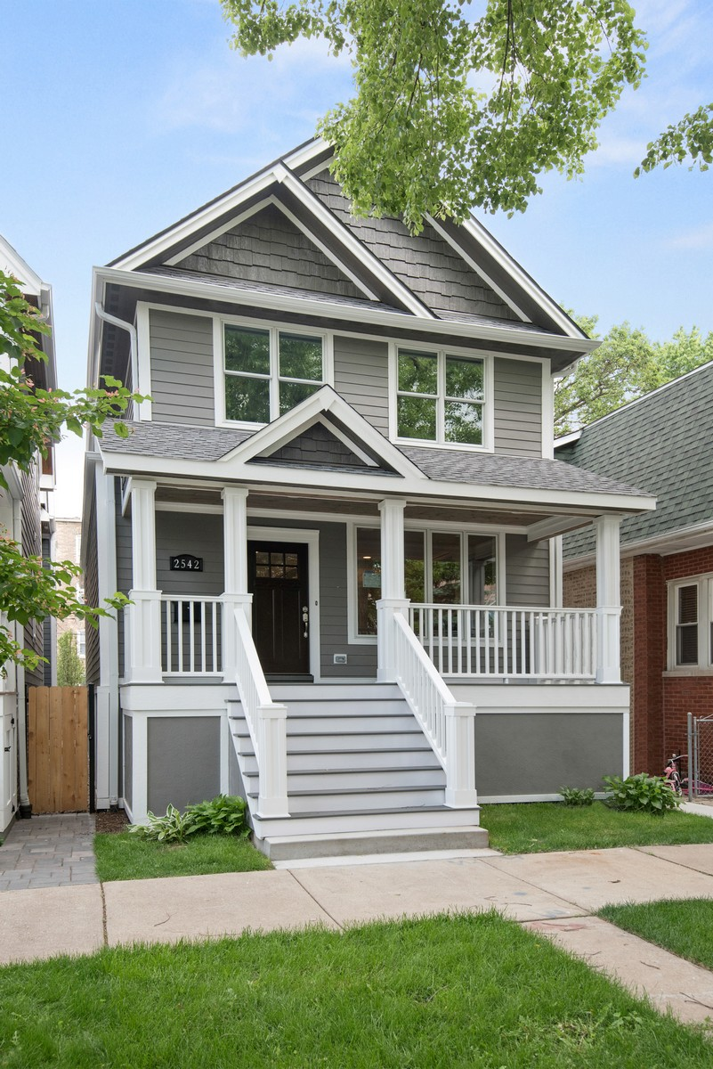 단독 가정 주택 용 매매 에 Stunning Single Family Home in North Center 2542 W Pensacola Avenue North Center, Chicago, 일리노이즈, 60618 미국