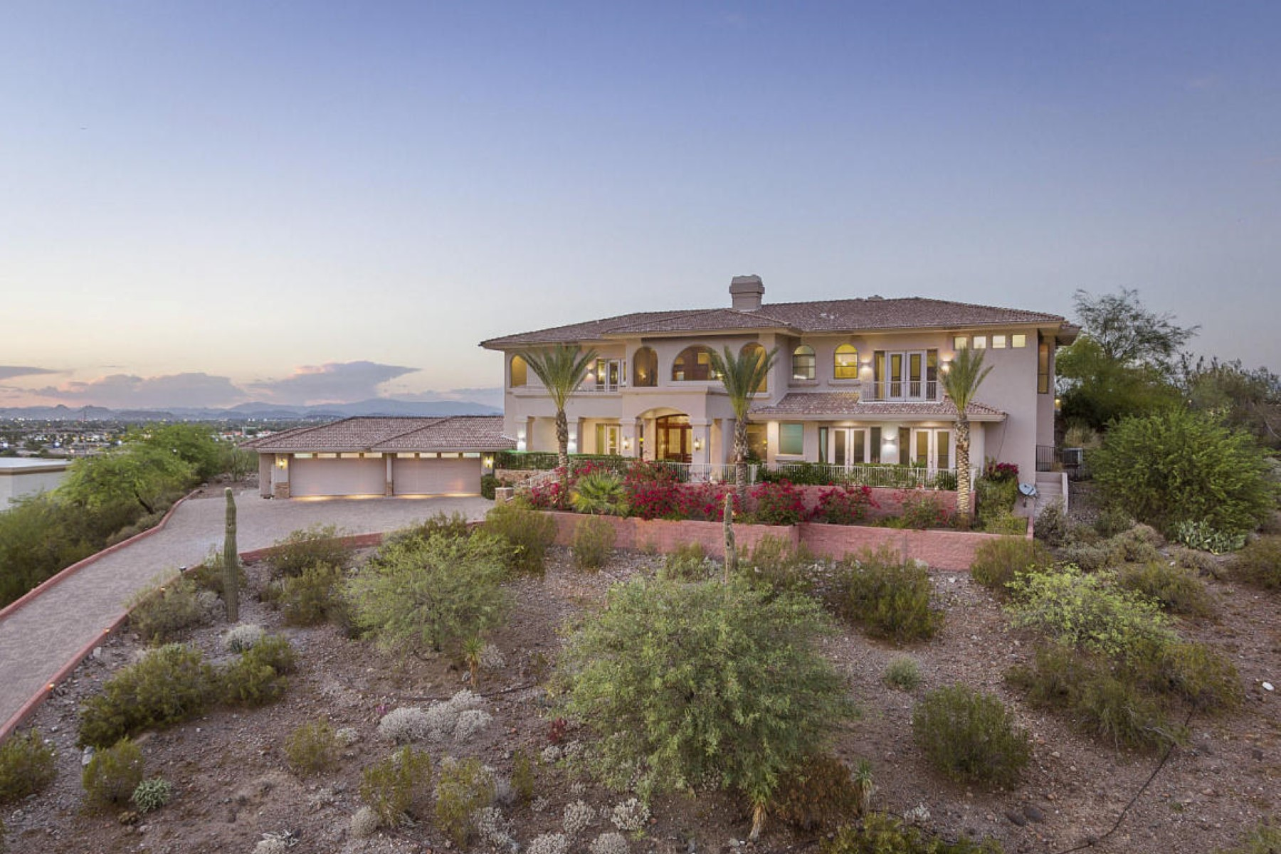 Single Family Home for Sale at Stunning Hilltop Estate with 360 Views On 1.11 Acres 920 E Waltann Lane Phoenix, Arizona 85022 United States