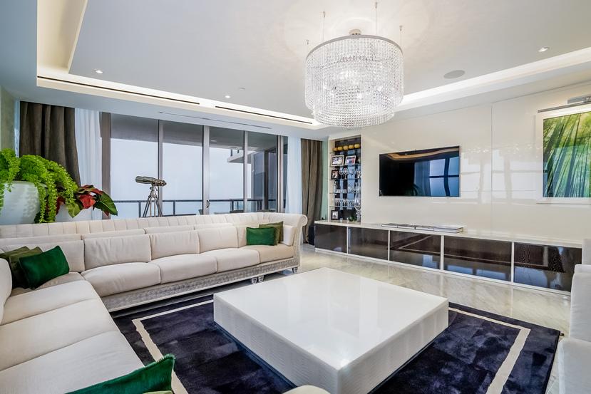 Appartement en copropriété pour l Vente à St Regis Condo 9705 Collins Ave. Unit 2001N Bal Harbour, Florida 33154 États-Unis