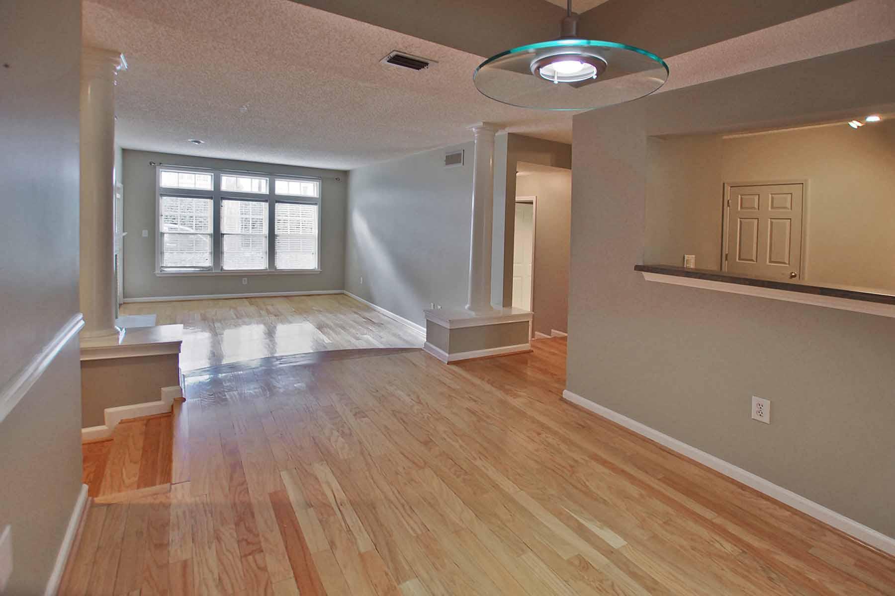 Condominio per Vendita alle ore Old 4th Ward 220 Renaissance Parkway NE #1107 Atlanta, Georgia, 30308 Stati Uniti