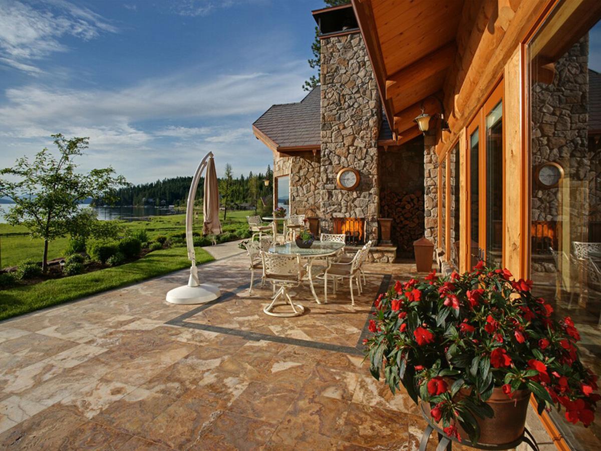 一戸建て のために 売買 アット Estate Home on Neechan Bay 7209 S EDDYVILLE RD Harrison, アイダホ 83833 アメリカ合衆国