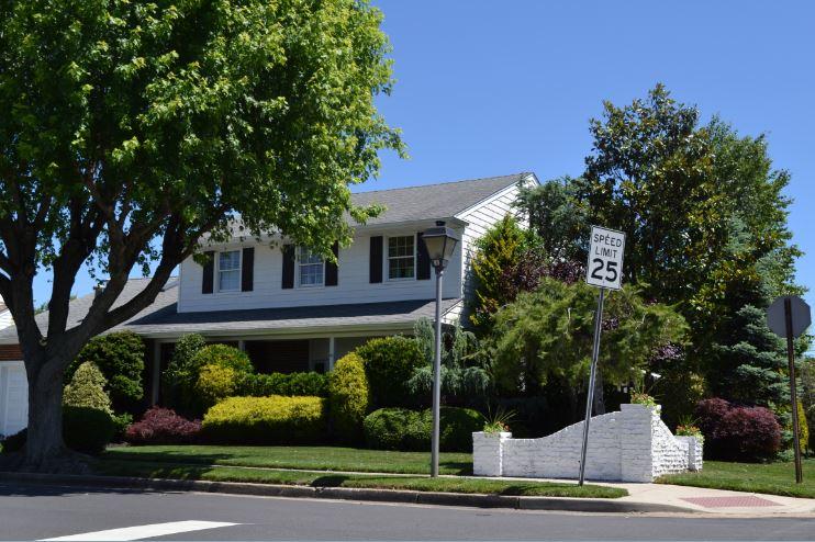 sales property at 501 N douglas