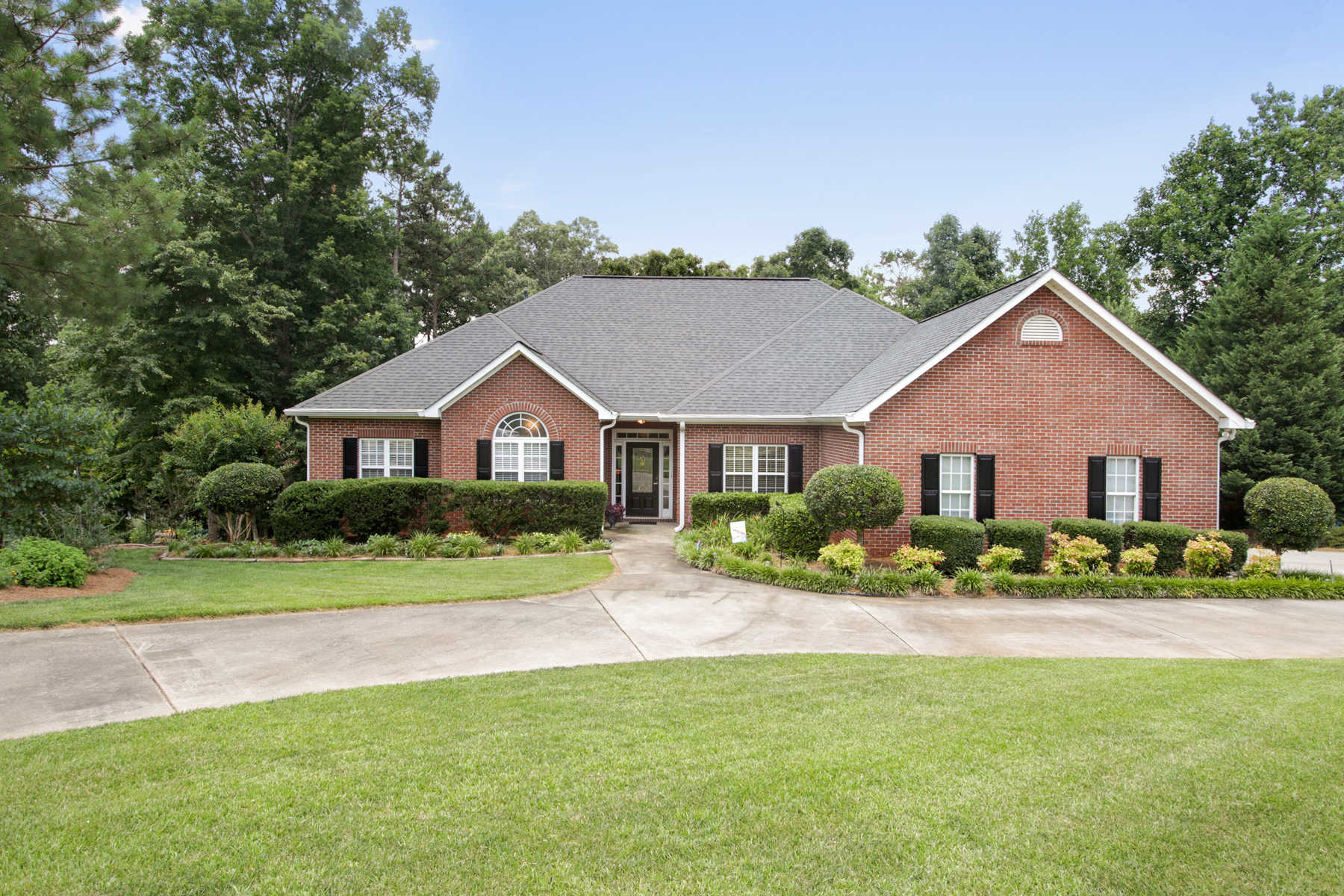Single Family Home for Sale at Custom Home - Private Paradise 130 Lawn Market Sharpsburg, Georgia, 30277 United States