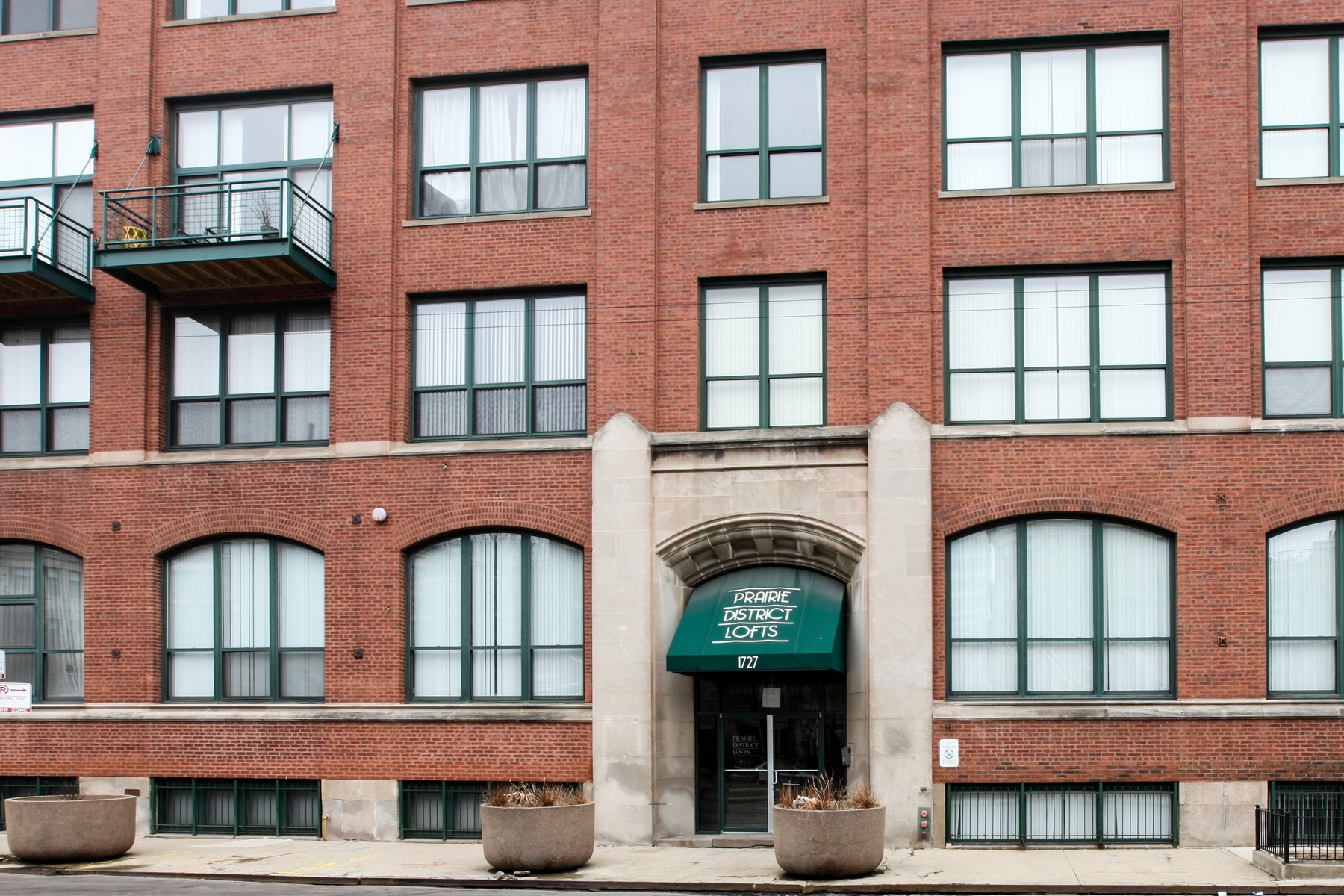 Condominium for Sale at Great South Loop Condo 1727 S Indiana Avenue Unit 221 Near South Side, Chicago, Illinois, 60616 United States